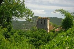Cortiguera, en el tramo alto del sendero del cañón del Ebro, lugar de avistamiento de buitres y corzos